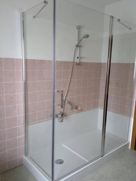 badezimmer behindertengerecht umbauen badewanne auf. Black Bedroom Furniture Sets. Home Design Ideas
